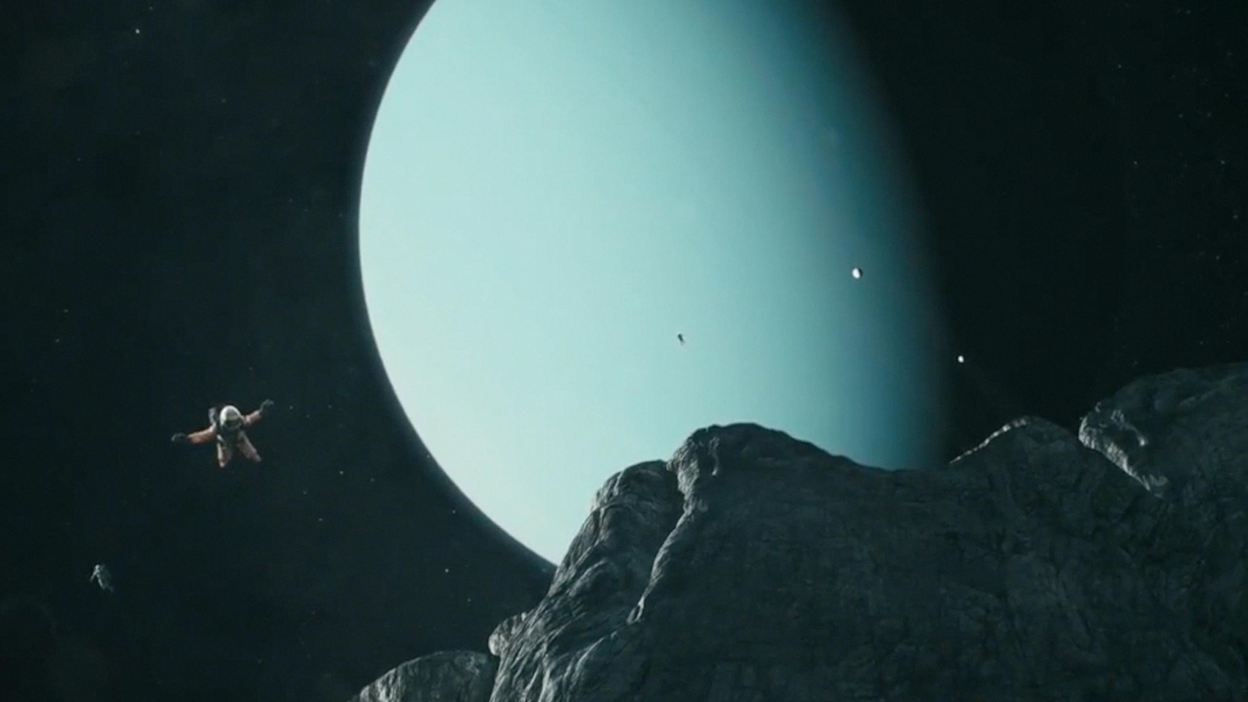 Grey Saturn